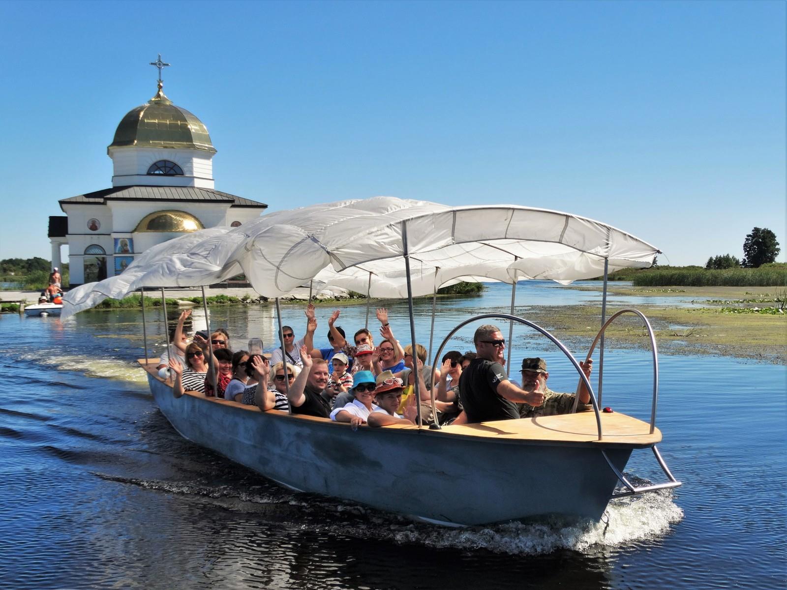 Поїздка до затопленої церкви, серпень 2016